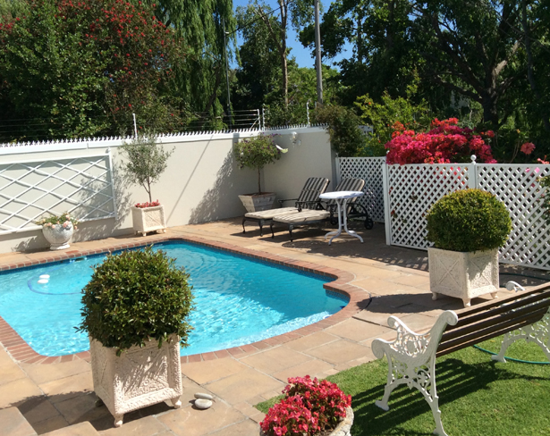 Self Catering Accommodation in Constantia